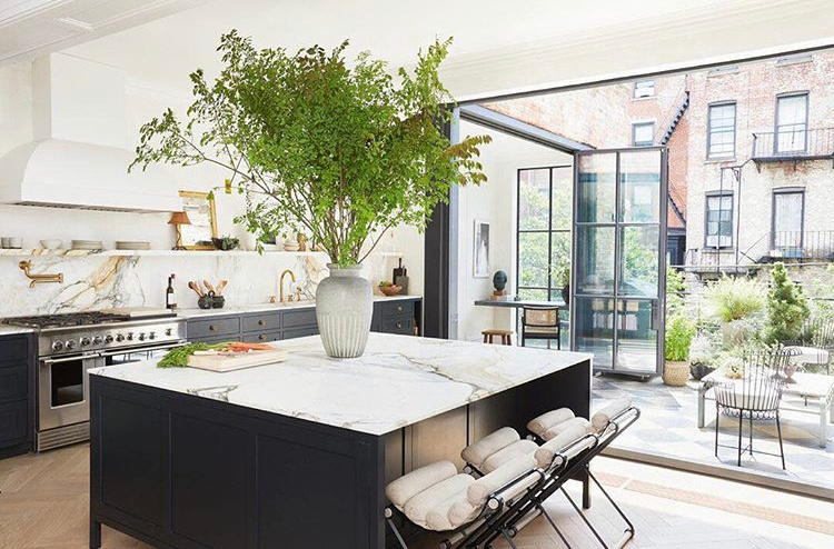 2019 Interior Design Trends: Black and Marble Trend